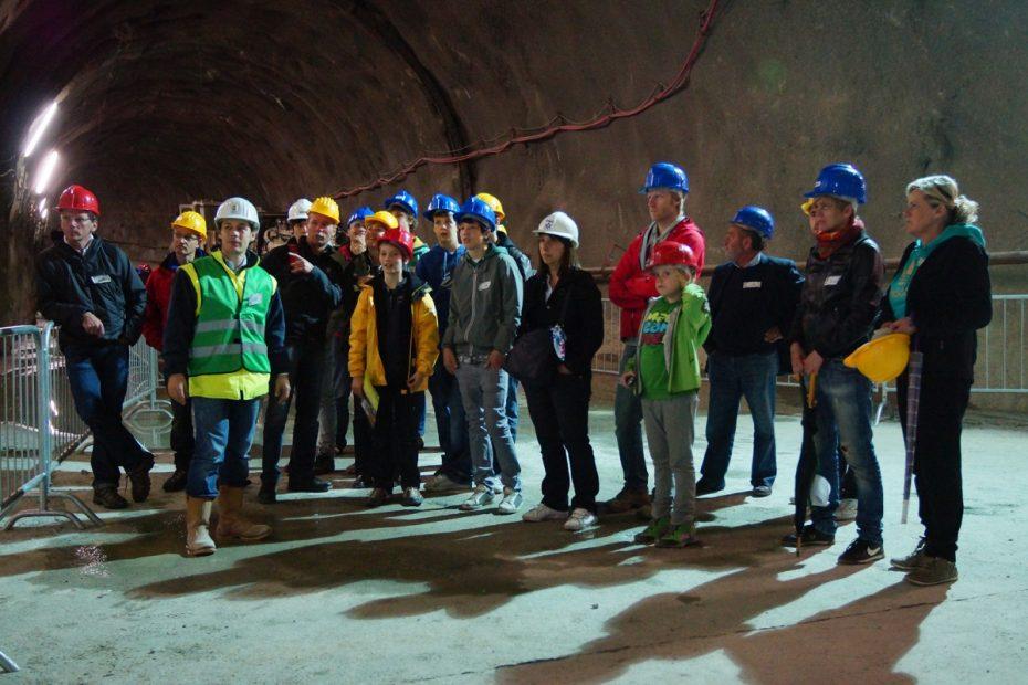 Über 2000 Besucher beim Tag es offenen Tunnels