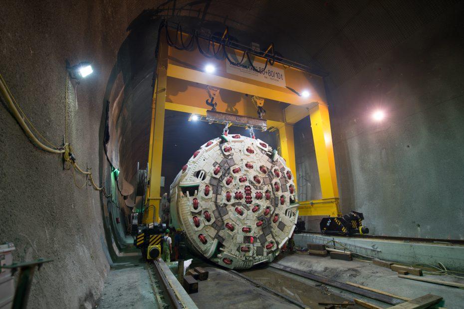 Erste Tunnelbohrmaschine beim BBT in Österreich