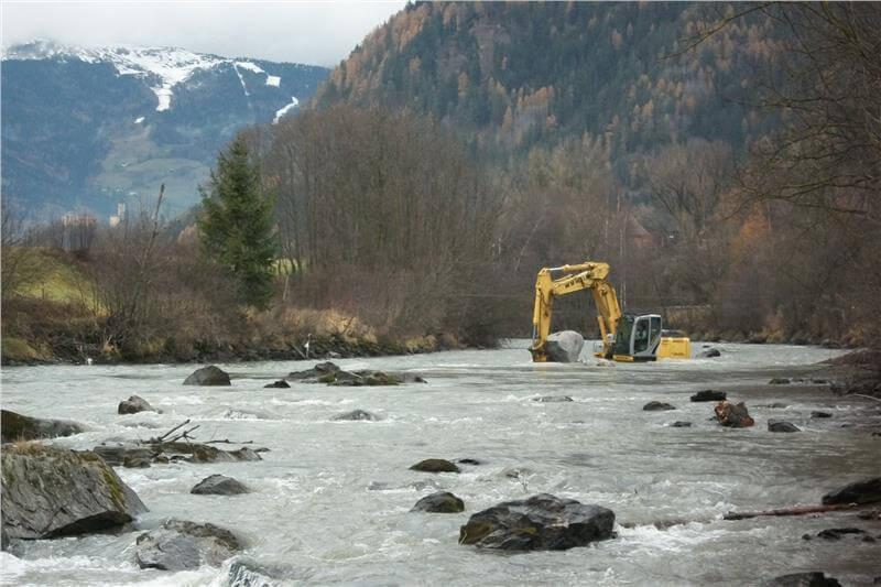 Wildbachverbauung: Arbeiten im Eisack zwischen Stilfes und Mauls